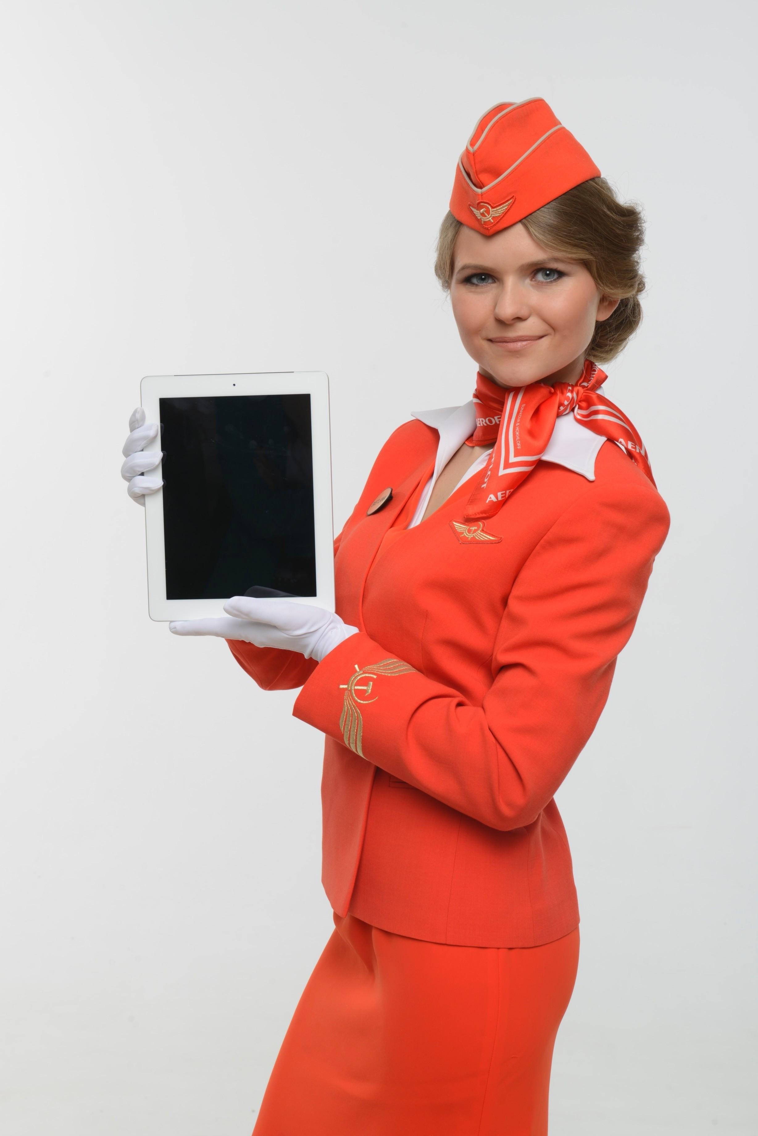 «Аэрофлот» экипирует бортпроводников планшетами