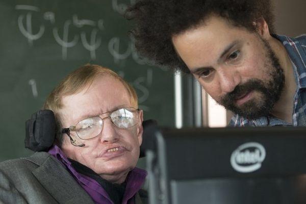 В Intel создали новую коммуникационную систему для Стивена Хокинга