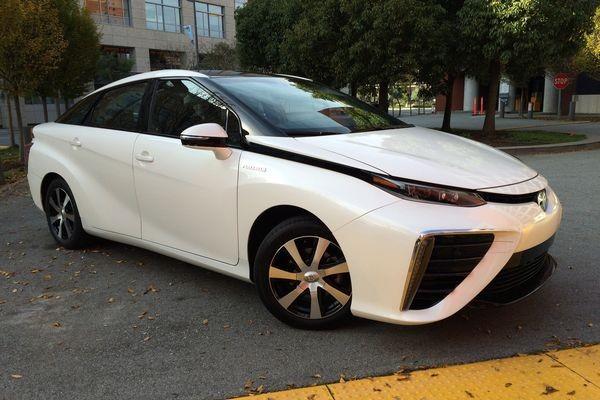CES: Toyota приближает новую эру автомобильной индустрии