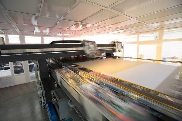 «Струйный принтер» OLED-дисплеев позволит массово выпускать гибкие и крупноформатные модели