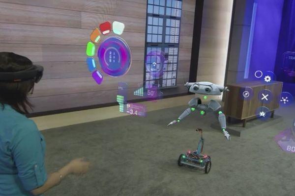 Microsoft: очки HoloLens будут «оживлять» роботов, которые еще только проектируются
