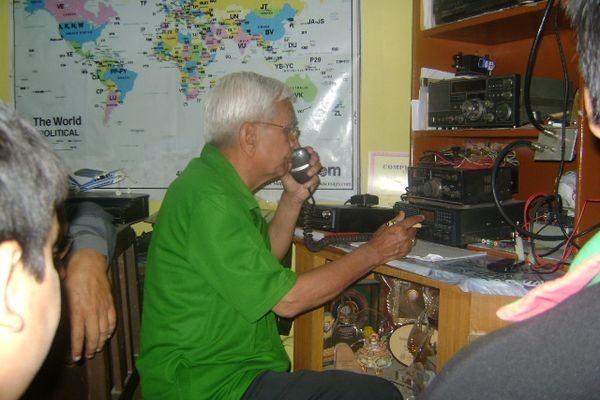 В разрушенном землетрясением Непале связь поддерживают радиолюбители