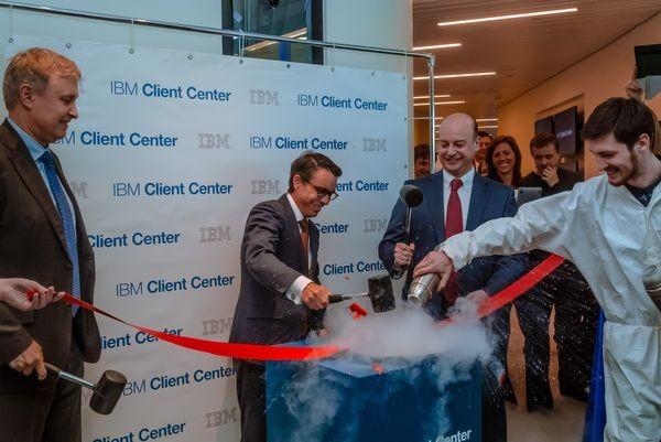 В Москве открыт центр клиентских решений IBM