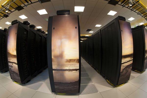 Барак Обама призвал к разработке компьютера с быстродействием 1000 PFLOPS