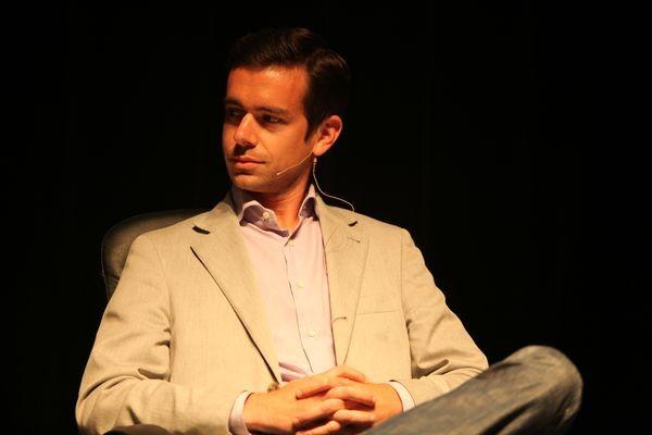 Джек Дорси обещает усидеть на двух стульях