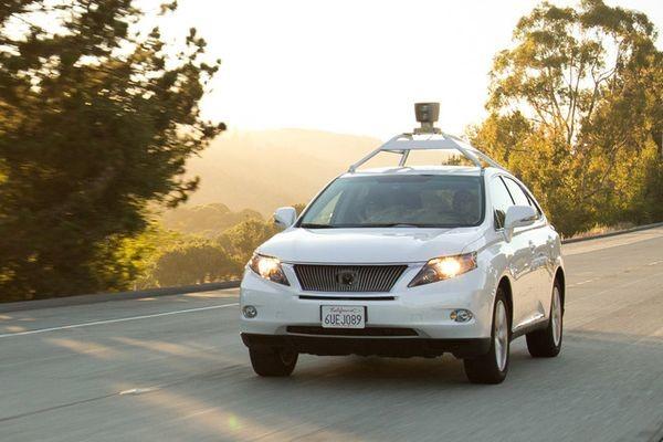 Для автомобилей-роботов предлагают проводить экзамен по вождению