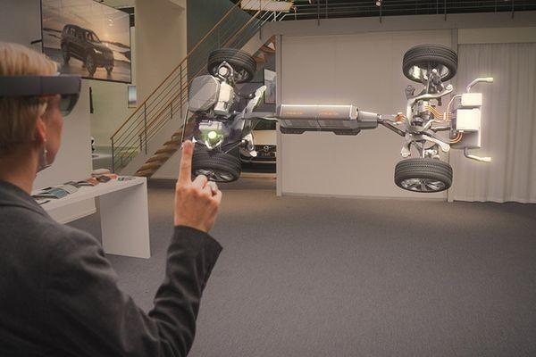 Volvo создаст виртуальный выставочный зал на базе Microsoft HoloLens