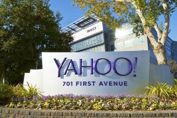 Потенциальных покупателей Yahoo заинтересовали клиентские данные
