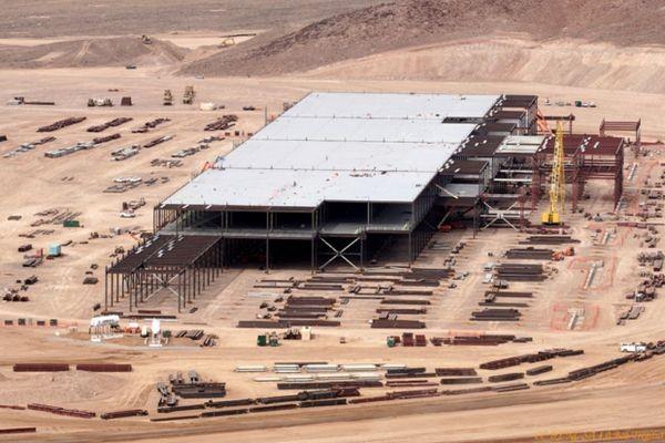 Panasonic вложит 1,5 миллиарда долларов в завод Tesla Gigafactory