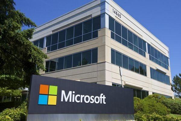 Доходы Microsoft упали, но облачный бизнес развивается