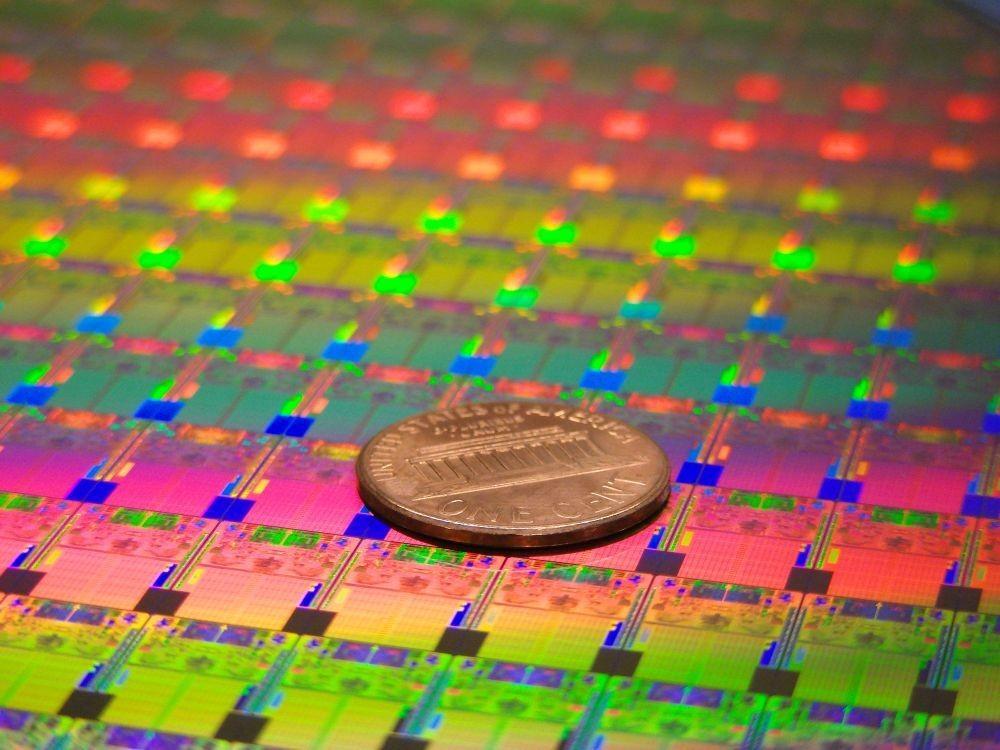 Intel пожертвует скоростью ради энергопотребления