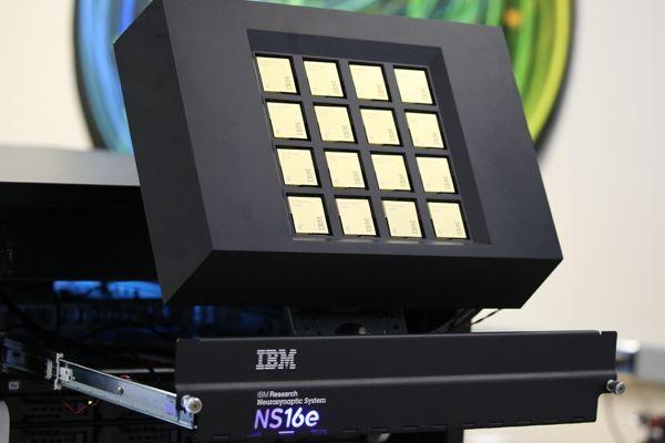 Искусственный мозг IBM стал крупнее