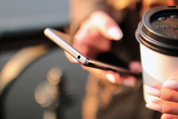 J'son & Partners: число абонентов мобильного доступа в Интернет в России выросло за год на 9%