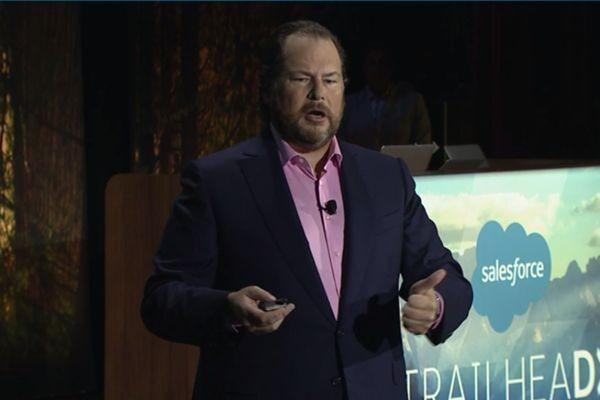 В Salesforce тоже пытались купить LinkedIn
