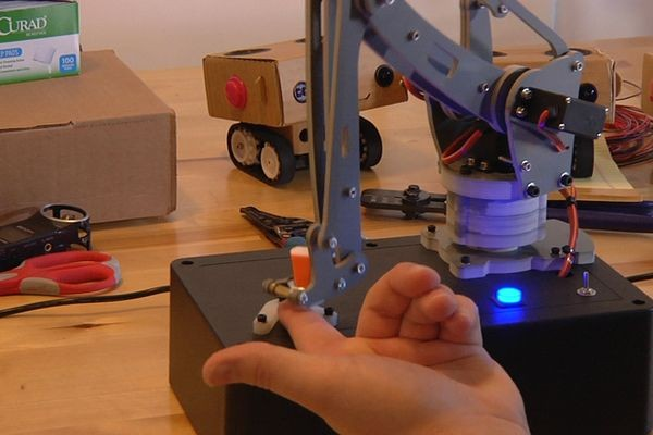 Робот-злоумышленник создан специально, чтобы вредить человеку