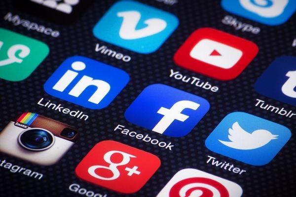 Пользователи соцсетей делятся новостями, не читая их