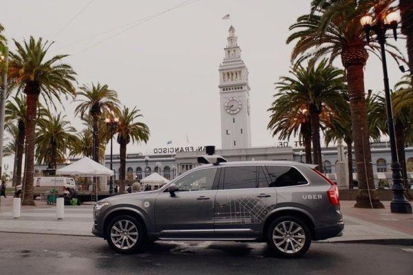 Власти Калифорнии потребовали отUber закончить тестировать беспилотные такси