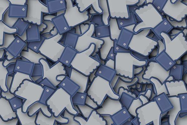 Социальная сеть Facebook начал борьбу снедостоверной информацией