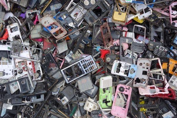 Японцы переплавят старые телефоны вмедали кОлимпийским играм 2020 года