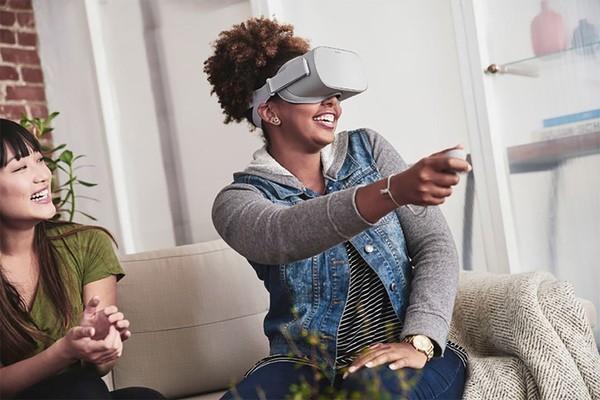 IDC: покупатели предпочитают проводные шлемы виртуальной реальности