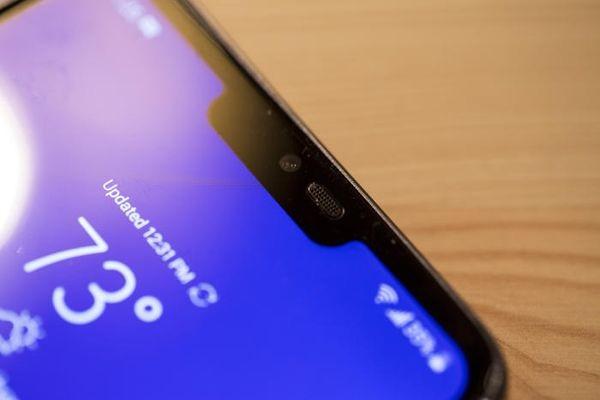 Google выступила против ненужных вырезов вдисплеях телефонов
