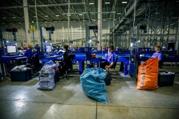 Логистический центр «Почты России» во Внуково заработал на полную мощность
