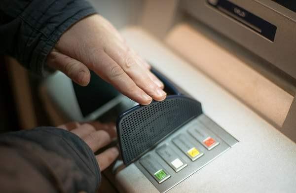 В банкоматах NCR сохраняется серьезная уязвимость