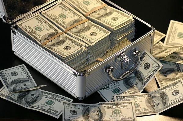 Сбербанк инвестирует в стартап по борьбе с отмыванием денег