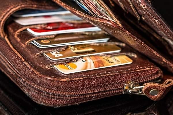 Злоумышленники выводят деньги с банковских карт при помощи социальной инженерии