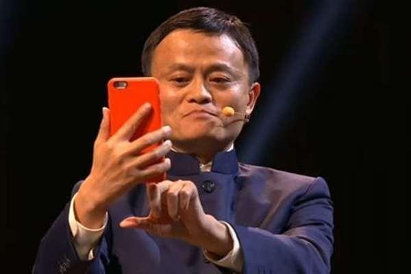 Джек Ма покинет пост главы Alibaba ровно через год