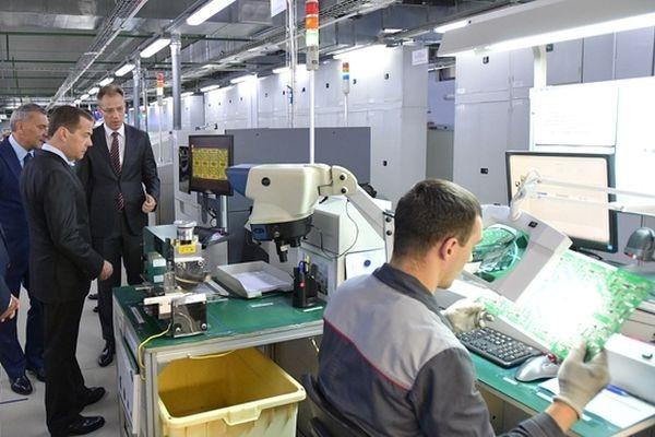 Медведев: российский рынок электроники вырастет к 2030 году до 8 триллионов рублей