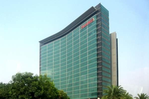 Huawei и «Сколково» будут совместно готовить ИТ-специалистов