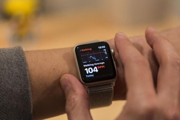 «М.Видео–Эльдорадо»: продажи «умных» часов и браслетов выросли вдвое
