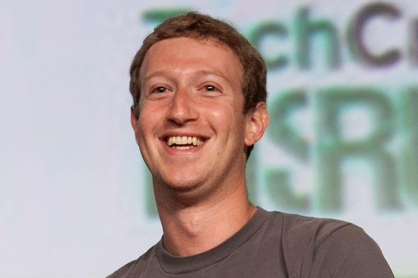 Цукерберг приказал топ-менеджерам Facebook пользоваться только смартфонами на Android