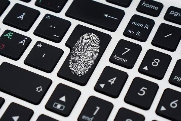 Искусственный интеллект способен подделать отпечатки пальцев для обхода защиты систем