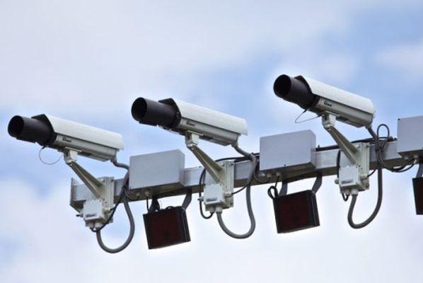 Видеокамеры на московских дорогах начнут различать марки автомобилей