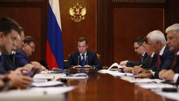 Премьер-министр заявил о подключении всех медучреждений к скоростному Интернету