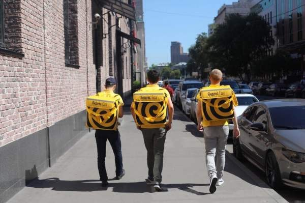 У «Яндекс.Еды» больше не будет бесплатной доставки
