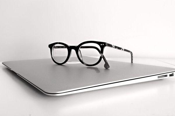 Слух: Apple готовит очки дополненной реальности