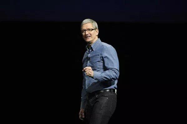 Apple: Продажи смартфонов падают, но компания — на подъеме