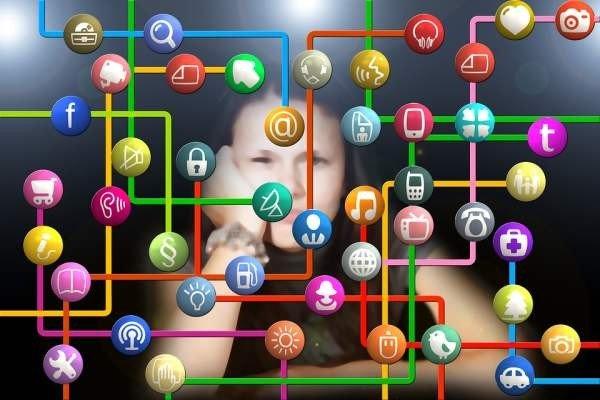 Минпросвещения готовит рекомендации для педагогов по ведению соцсетей