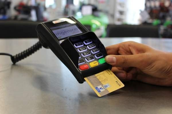Mastercard не собирается запускать снятие наличных по QR-кодам