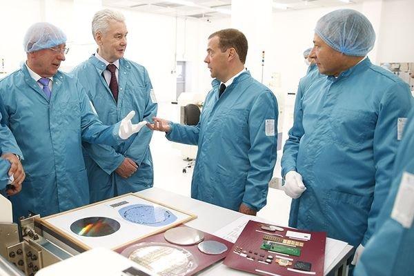 Правительство нашло для завода «Ангстрем-Т» 21 миллиард рублей
