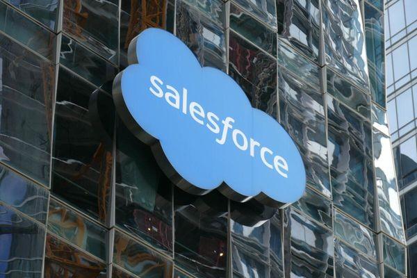 Salesforce покупает Tableau