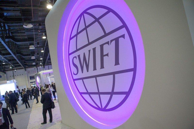 Госдума приняла закон о подключении юрлиц к российскому аналогу SWIFT