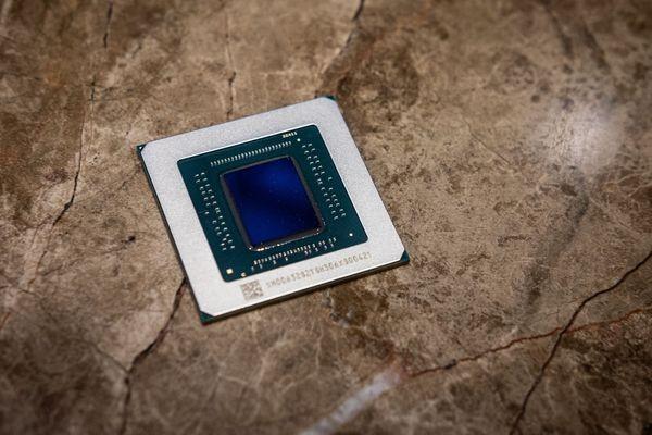 AMD готовит к выпуску новые мощные видеокарты Radeon Navi