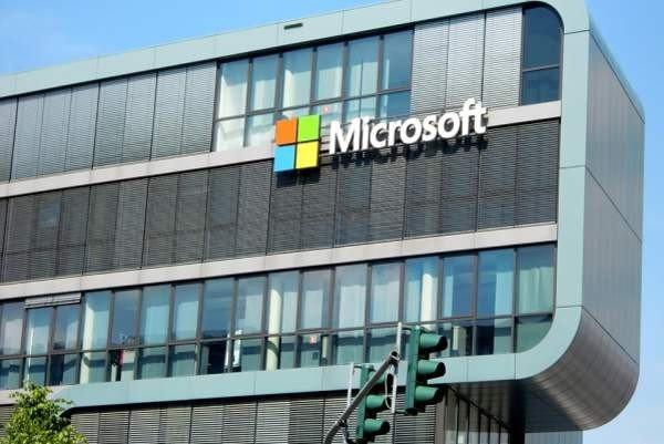 Чистая прибыль «дочки» Microsoft в России в 2018 году упала в два раза