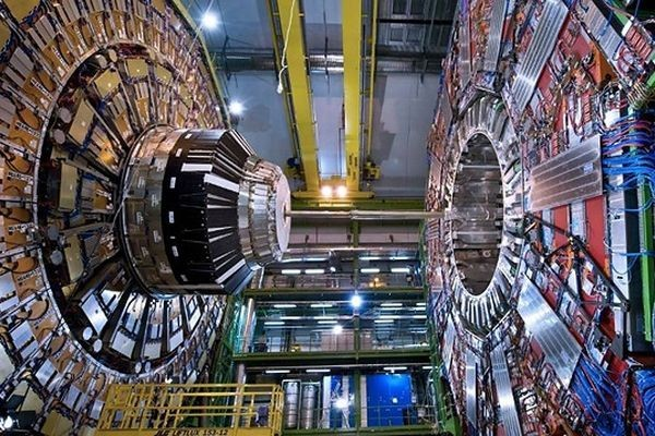 Социальные сети натолкнули ученых на способ поиска явлений «новой физики»