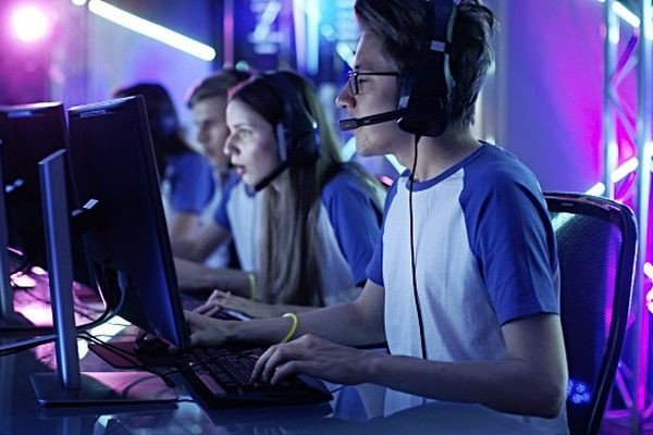 Институт развития Интернета предлагает ввести в школах уроки киберспорта
