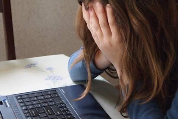 Роскачество: 70% подростков были участниками или жертвами онлайн-травли